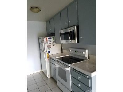 Encino Condo/Townhouse Sold: 5460 White Oak Avenue #E320