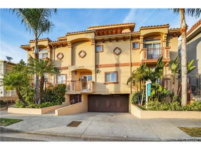 Sherman Oaks Condo/Townhouse For Sale: 14819 Magnolia Boulevard #14