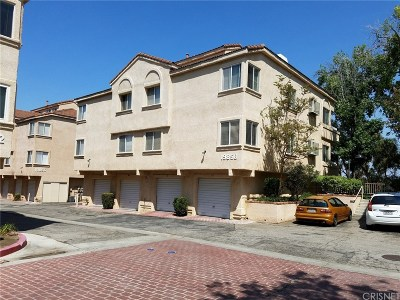 Newhall Condo/Townhouse Active Under Contract: 19858 Sandpiper Place #103