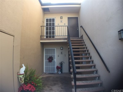 Valencia Condo/Townhouse For Sale: 25735 Hogan Drive #E6