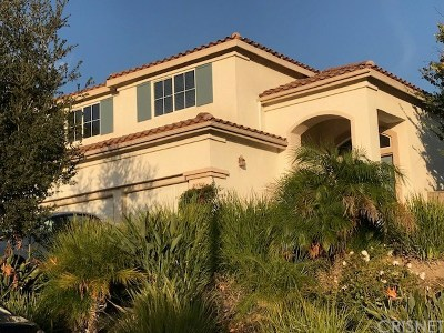 Newhall Single Family Home For Sale: 23714 Oakhurst Drive