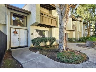 Granada Hills Condo/Townhouse For Sale: 16235 Devonshire Street #18