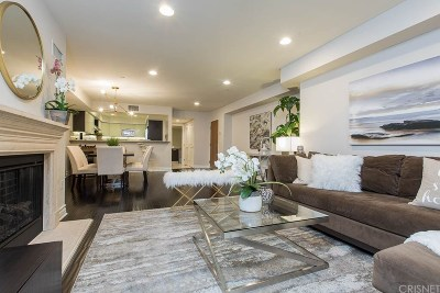 Los Angeles CA Condo/Townhouse For Sale: $799,000