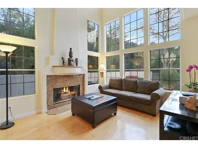 Newbury Park Condo/Townhouse For Sale: 1060 Mountain Oak Place