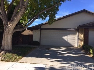 Valencia Single Family Home For Sale: 25649 Almendra Drive