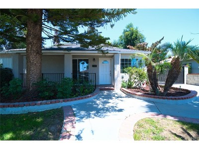Northridge Single Family Home For Sale: 17601 Cantara Street