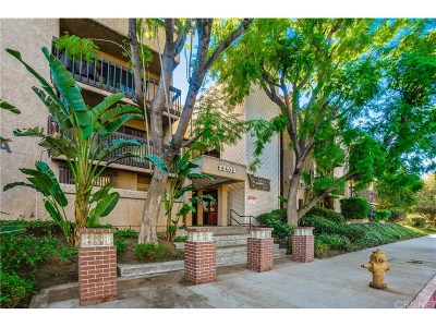 Woodland Hills CA Condo/Townhouse For Sale: $360,000