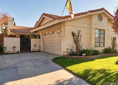Valencia Single Family Home For Sale: 25976 Pueblo Drive
