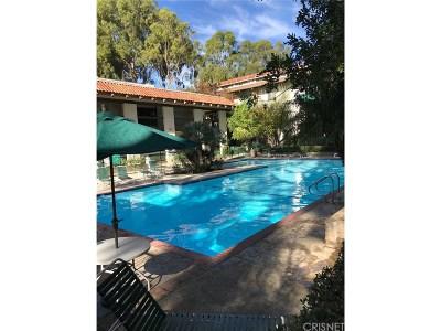 Encino Condo/Townhouse For Sale: 5460 White Oak Avenue #F305