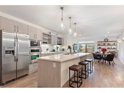 Studio City Condo/Townhouse For Sale: 12837 Moorpark Street #306