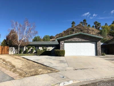 Newhall Single Family Home Active Under Contract: 26638 Torreypines Drive