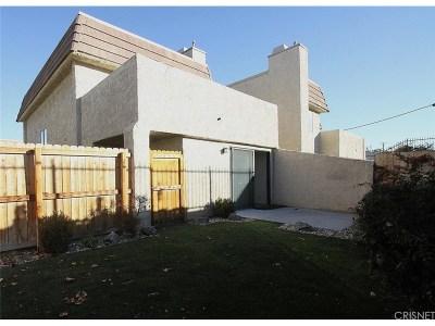 Lancaster Condo/Townhouse For Sale: 424 West Avenue J5 #27