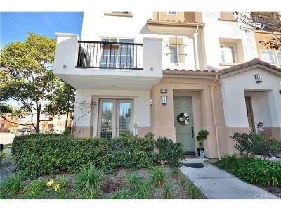 Oxnard Condo/Townhouse For Sale: 2834 Riverpark Boulevard