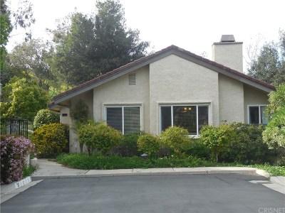Oak Park Single Family Home For Sale: 67 Mimosa Court