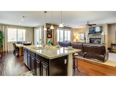 Saugus Single Family Home For Sale: 22469 Flatwater Court