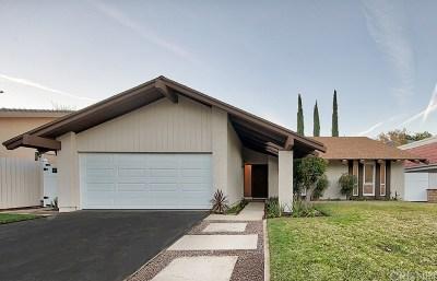Single Family Home Active Under Contract: 23761 Via Helina