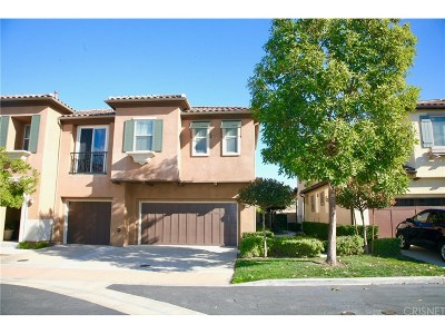 Moorpark Condo/Townhouse For Sale: 6790 Simmons Way