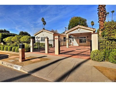 Woodland Hills Single Family Home For Sale: 19831 Gilmore Street