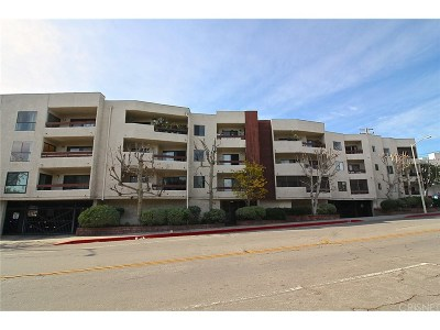 West Hollywood Condo/Townhouse Active Under Contract: 1037 North Vista Street #203