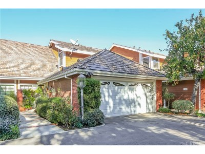 Tarzana Condo/Townhouse Active Under Contract: 5930 Tampa Avenue #303
