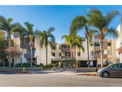 Encino Condo/Townhouse For Sale: 5325 Newcastle Avenue #221