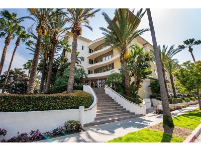 Los Angeles County Condo/Townhouse For Sale: 13200 Pacific Promenade #220