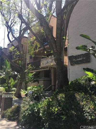 Woodland Hills Condo/Townhouse For Sale: 22100 Burbank Boulevard #344E