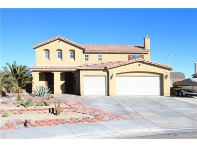 Rosamond Single Family Home For Sale: 2333 Alpaca Avenue