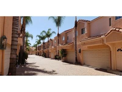 Encino Condo/Townhouse For Sale: 5200 White Oak Avenue #30