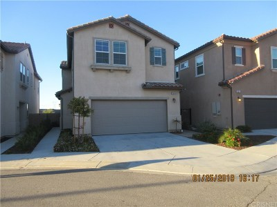 Newhall Condo/Townhouse Active Under Contract: 19845 Via Ott