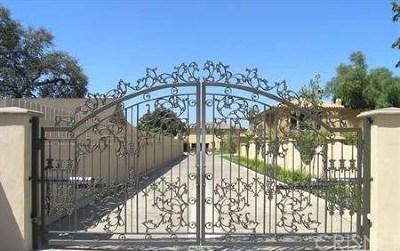 Encino Single Family Home For Sale: 17531 Encino Lane