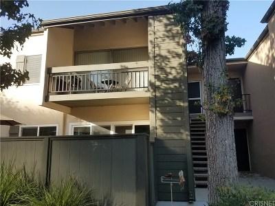 Valencia Condo/Townhouse For Sale: 25715 Hogan Drive #B8