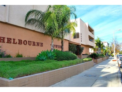 Encino Condo/Townhouse For Sale: 5429 Newcastle Avenue #209