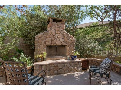 Simi Valley Single Family Home For Sale: 186 Parkside Drive