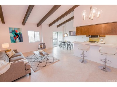 Condo/Townhouse For Sale: 2700 Cahuenga Boulevard East #2313