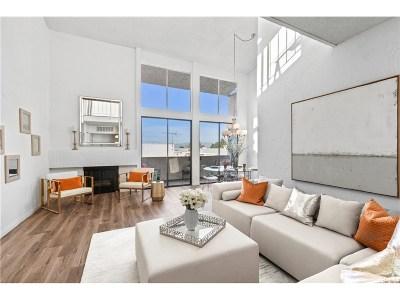 Encino Condo/Townhouse For Sale: 5310 Zelzah Avenue #312