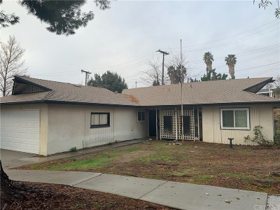 Canyon Country Single Family Home Active Under Contract: 28007 Aumond Avenue