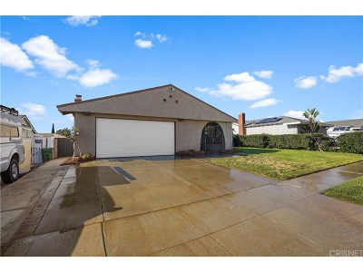 Simi Valley Single Family Home For Sale: 2445 Hawk Street