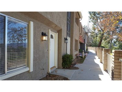 Saugus Condo/Townhouse For Sale: 26951 Avenida Terraza