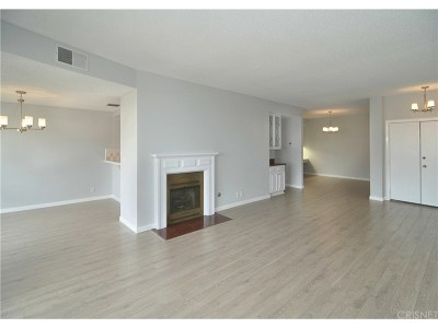 Sherman Oaks Condo/Townhouse Active Under Contract: 4430 Noble Avenue #202