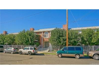 Canoga Park Condo/Townhouse For Sale: 6939 Alabama Avenue #103