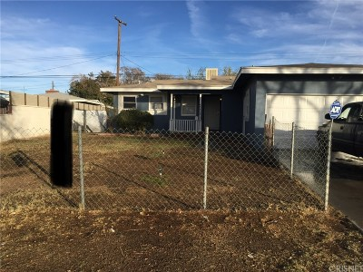 Lancaster Single Family Home For Sale: 45516 Lostwood Avenue West