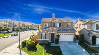 Palmdale Single Family Home For Sale: 37625 Mangrove Drive