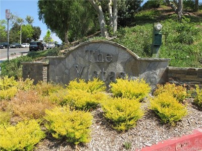 Newhall Condo/Townhouse For Sale: 24445 Valle Del Oro #205