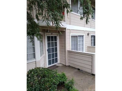 Sylmar Condo/Townhouse For Sale: 11300 Foothill Boulevard #87