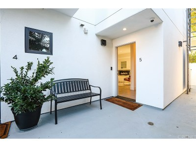 Los Angeles County Condo/Townhouse For Sale: 829 North Martel Avenue #5