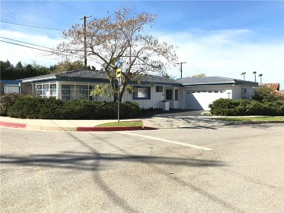 Woodland Hills Single Family Home Active Under Contract: 4205 Canoga Drive