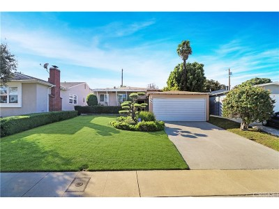 Los Angeles County Single Family Home For Sale: 7941 Flight Place
