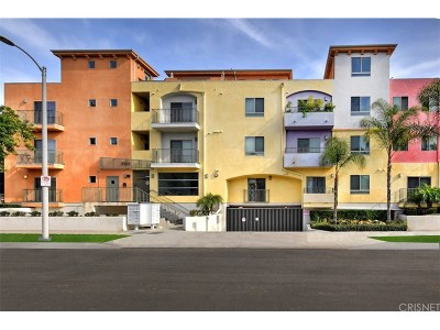 North Hollywood Condo/Townhouse Active Under Contract: 5232 Satsuma Avenue #108