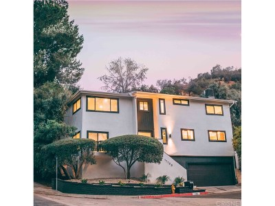Encino Single Family Home For Sale: 17100 Clemons Drive